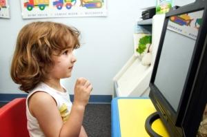 Ce oferim copilului: surogate versus realitate